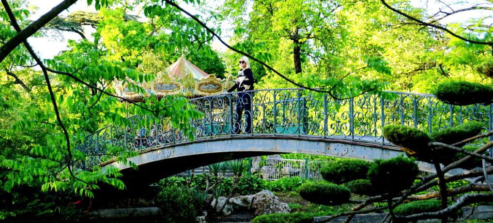 Exploring Jardin Parc (Public Garden) with a Dog in Bordeaux